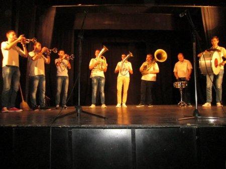 Празничен концерт на гимназистите за Деня на народните будители