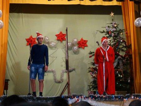 Песни, смях и много добро настроение за Коледа!