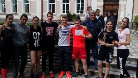 """ПГ """"Д-р Иван Панов"""" проведе традиционната си щафетна обиколка"""