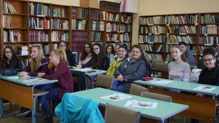 """Участие на ученици от ПГ """"Д-р Иван Панов"""" в обучение на програма """"Еразъм +"""""""