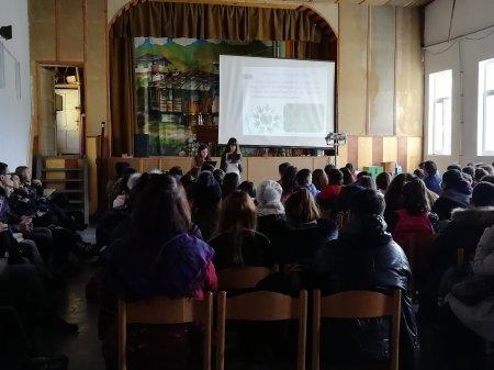 Ученици от Ученическия съвет за толерантността и борбата със СПИН