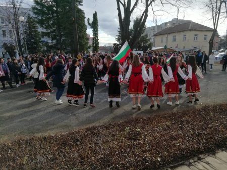 Да бъдем истински българи!